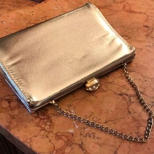 VTG gold clutch bag with pretty rhinestone clasp